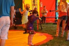 Girl-Hula-Hoop